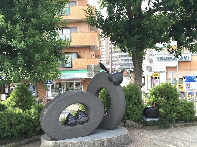 駅前の街路樹-スズメのねぐら